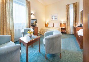 EA Ramada Airport Hotel Prague